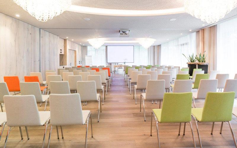 Schenna-Resort-Seminarraum, Lebensglückabend